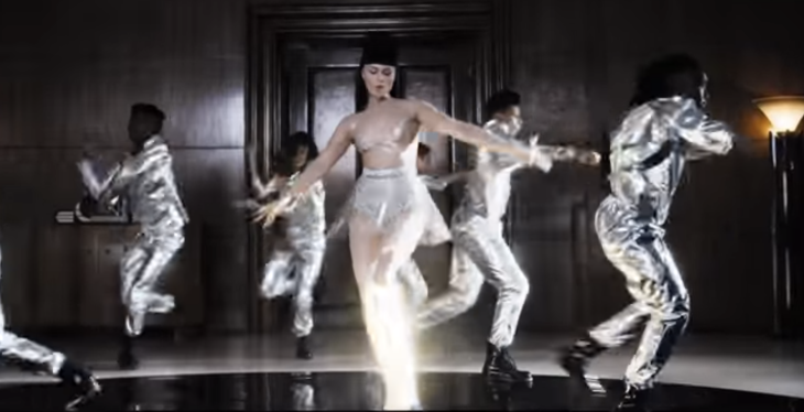 "Screen Shot Viktoria Modesta ""Prototype"""